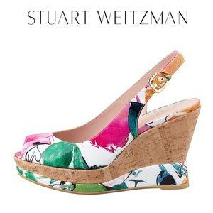 STUART WEITZMAN Jean Floral-Print Patent Wedge